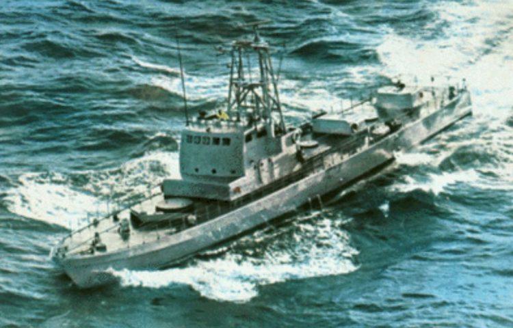Sa'ar 3 kanonneerboot, onderweg van Cherbourg naar Haifa, 1969 (CC0 - Clandestine Immigration and Navy Museum - wiki)