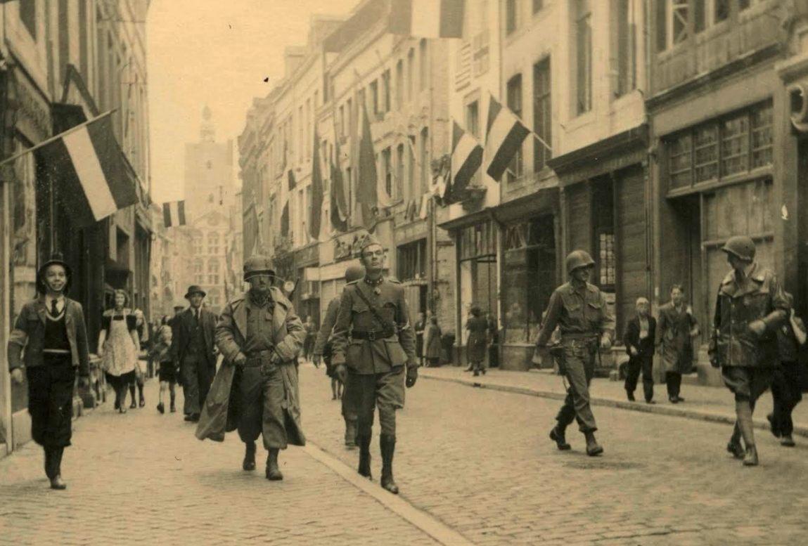 De bevrijding van Maastricht, september 1944 (Bron: Oorlogsbronnen.nl Collectie NIOD, Vervaardiger G.M. Nafzger)