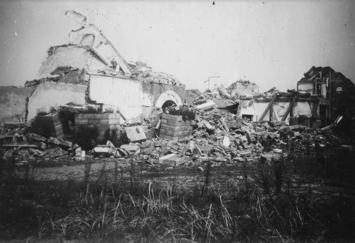 De ruïne van Het Nieuwe Lyceum in Bilthoven (Foto-archief Gerard van Walbeek, via Bernard Schut)