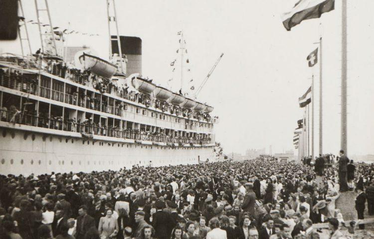 De terugkeer van het passagiersschip ms Oranje (Scheepvaartmuseum)