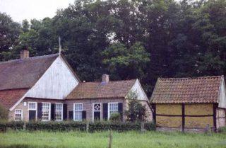 Historische boerderij De Brager te Geesteren, gebouwd in de karakteristieke Twentse streekstijl. (CC BY-SA 3.0 - Entjesbe - wiki)