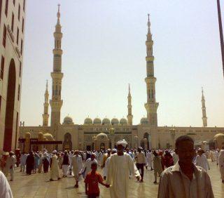 Moskee van de profeet in Medina (CC BY 2.0 - Omar Chatriwala - wiki)