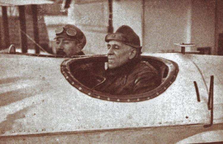 Gago Coutinho (rechts) en Sacadura Cabral (links) - Publiek Domein / wiki