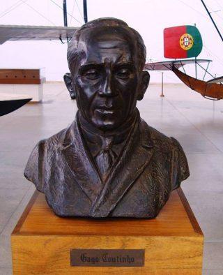 Buste van Gago Coutinho in Lissabon (Publiek Domein - wiki)