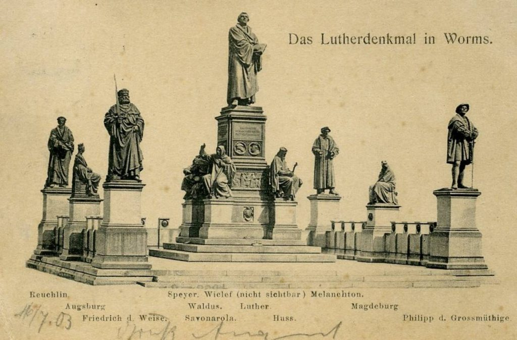 Protestanten - Luther-monument in Worms (Publiek Domein - wiki)