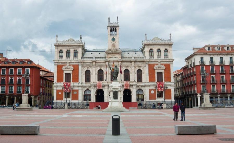 Plaza Mayor van Valladolid (CC BY-SA 3.0 es - xavi lopez - wiki)