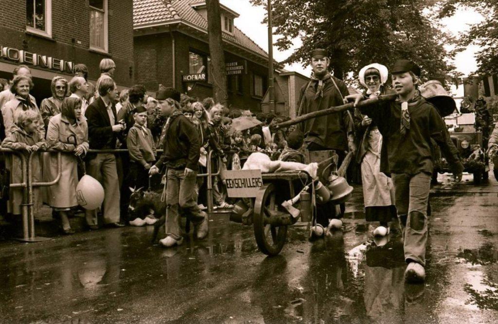 Reutemeteut tijdens een dorpsfeest in Lunteren (CC-BY-SA - Gemeente Ede)