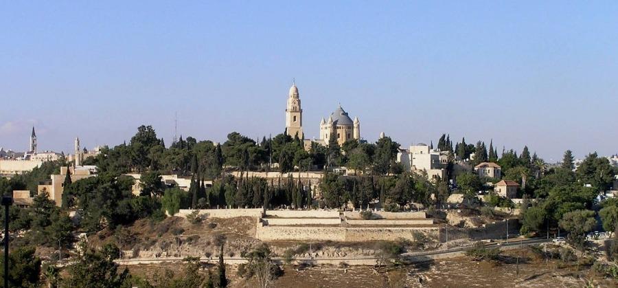 Berg Zion (Sion), gezien vanaf Abu Tor (CC0 - Eman - wiki)