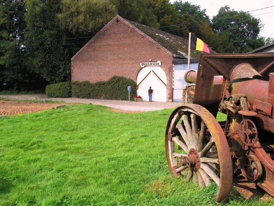 Museum ter herinnering aan de Slag der Zilveren Helmen (CC BY-SA 3.0 - Paul Hermans - wiki)
