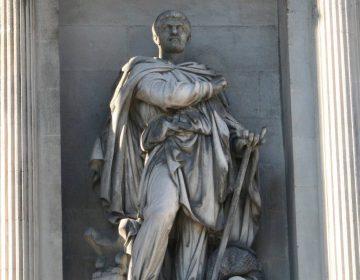 Beeld van Pytheas van Marseille aan de gevel van het Beursgebouw in Marseille (CC BY-SA 3.0 - Rvalette - wiki)
