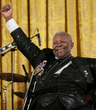 B.B. King tijdens een optreden in het Witte Huis, 2006 (Publiek Domein - Eric Draper - wiki)