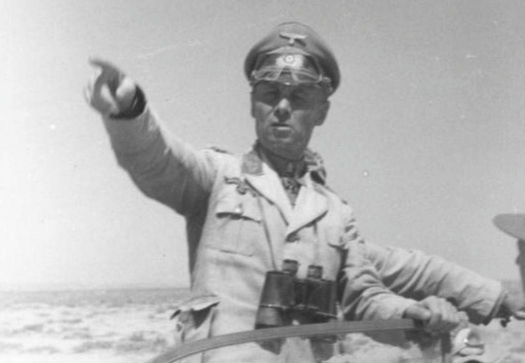 Erwin Rommel in Noord-Afrika, 1942 (CC BY-SA 3.0 de - Bundesarchiv - wiki)