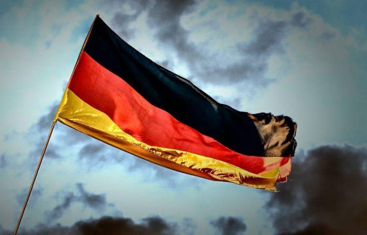 Volkslied van Duitsland - Das Lied der Deutschen - Vlag van Duitsland (CC0 - Pixabay - analogicus)