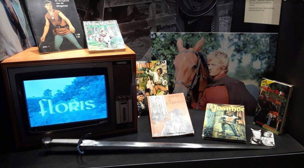 Objecten in de Floris-tentoonstelling in het Museum van de Twintigste Eeuw in Hoorn (Foto: Historiek)