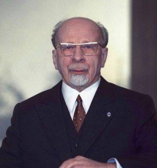 Walter Ulbricht, nieuwjaarstoespraak als voorzitter van de DDR Staatsraad, 1970 (CC BY-SA 3.0 de - Bundesarchiv,  Spremberg, Joachim - wiki)