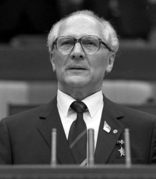 Erich Honecker in 1986 (CC BY-SA 3.0 de - Bundesarchiv - wiki)
