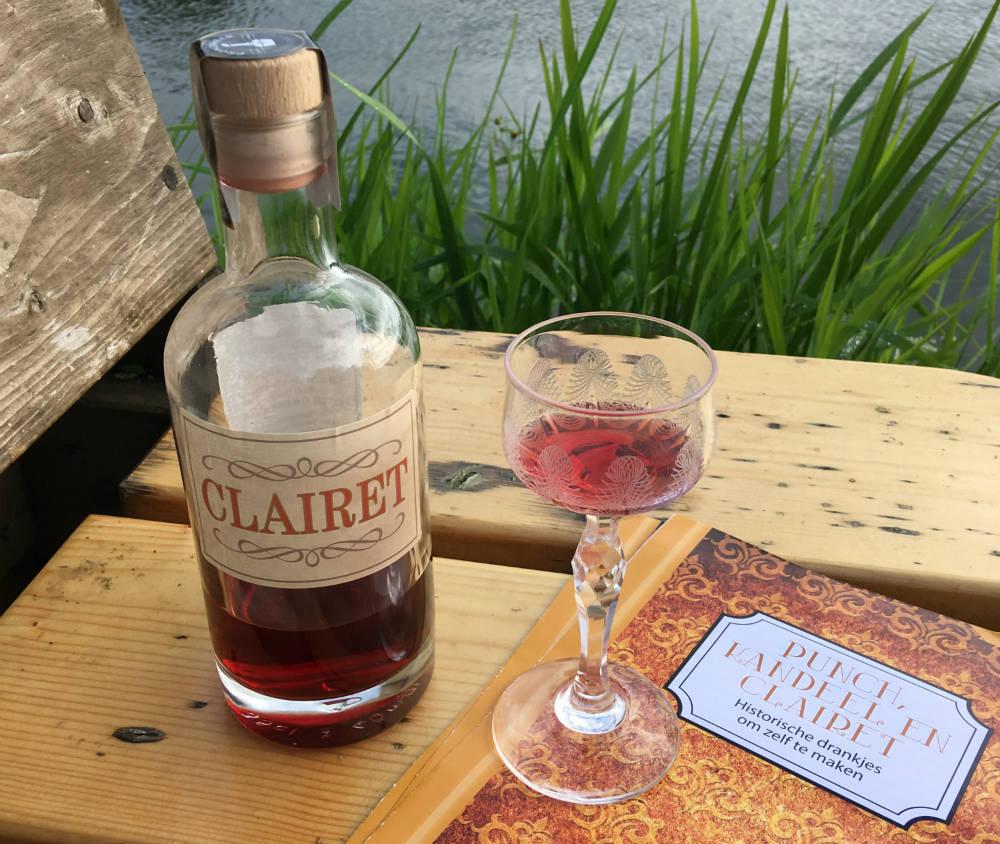 De auteur liet speciaal voor het verschijnen van haar boek het drankje Clairet maken