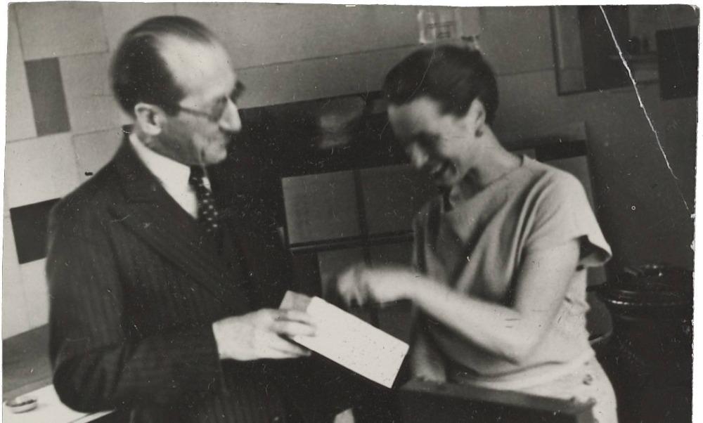 Piet Mondriaan en Gwendolyn Lux (1934) Bron: RKD – Nederlands Instituut voor Kunstgeschiedenis