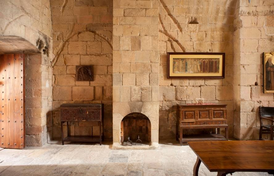 Calefactorium in het klooster van Poblet, Spanje