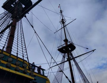 Replica van spiegelretourschip Amsterdam bij het Scheepvaartmuseum (CC BY-SA 4.0 - Rudolphous - wiki)