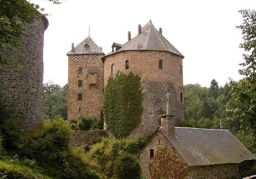 Kasteel Reinhardstein – Burg Metternich