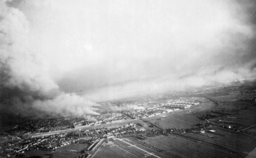 Brandend Rotterdam, mei 1940