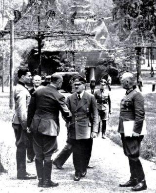 Adolf Hitler bij de Wolfsschanze, 15 juli 1944