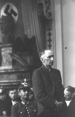 Erwin von Witzleben voor het Volksgerichtshof, 1944