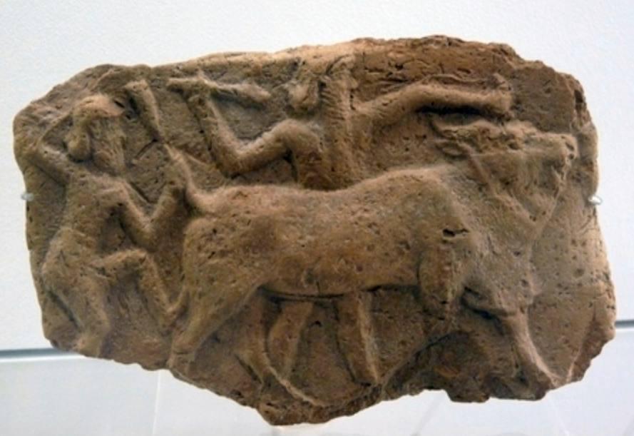 Enkidu, Gilgameš en de hemelstier: reliëf uit Nuzi (Pergamonmuseum, Berlijn)