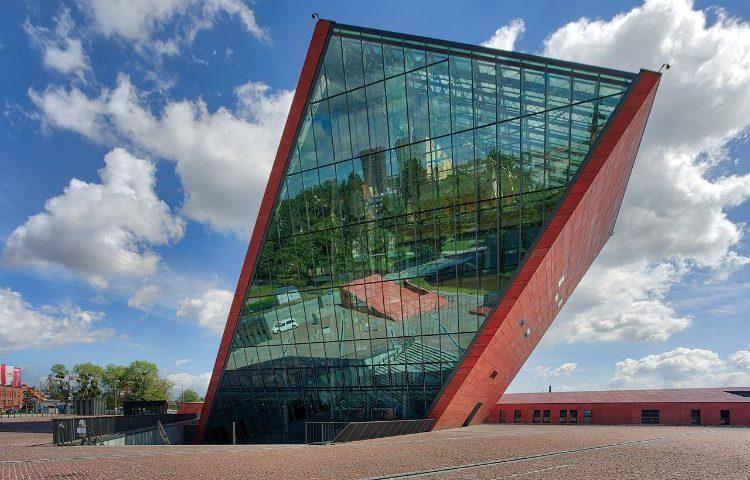 Museum van de Tweede Wereldoorlog, Gdansk. (CC4.0 – Adam Kumisczcza – wiki)