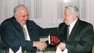Helmut Kohl in 2000 met de Russische president Boris Jeltsin