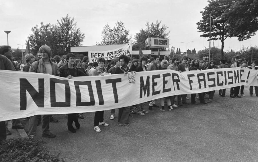 Demonstratie tegen zendtijd voor de Centrumpartij, Hilversum mei 1981