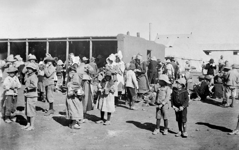 Gezinsleden van Boerenstrijders in een concentratiekamp