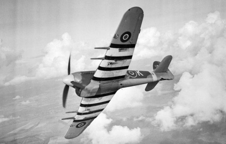 Willekeurige afbeelding van een Hawker Typhoon van de RAF, 1943