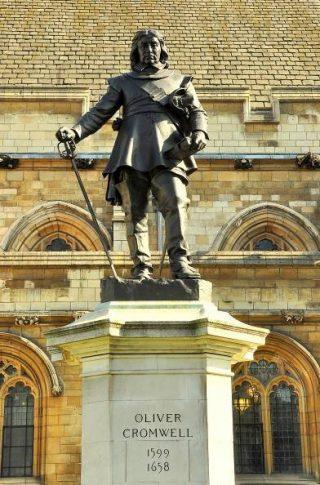 Standbeeld van Oliver Cromwell uit 1899, Westminster
