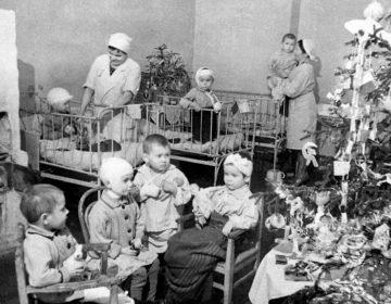 Kerst in een kinderziekenhuis in het belegerde Leningrad, winter van 1941-1942