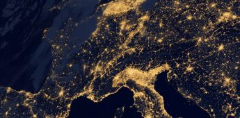 Geert Mak werpt licht op geschiedenis zonder einde