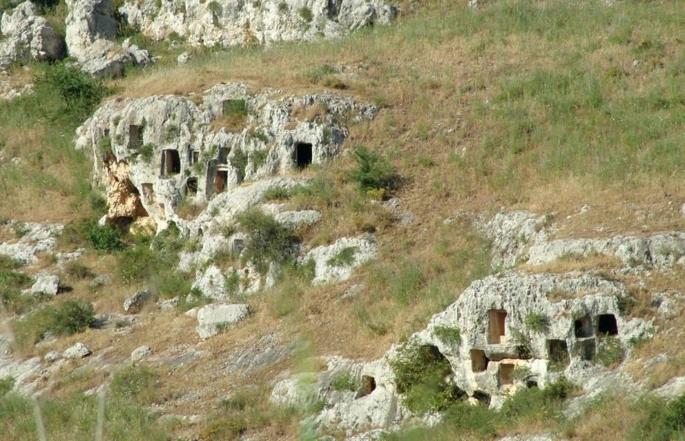 Necropool - Rotsnecropolis op Sicilië