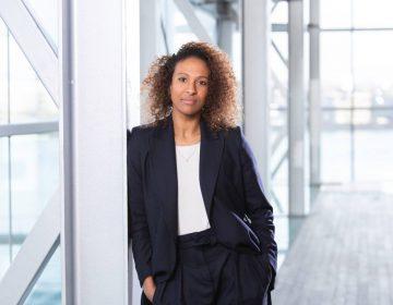 Astrid Sy , de nieuwe presentator van Andere Tijden