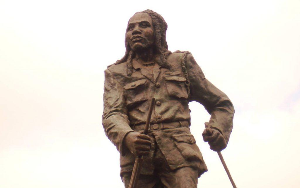 Standbeeld van Mau Mau-leider Dedan Kimathi in Nairobi