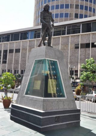 Het monument ter ere van Dedan Kimathi