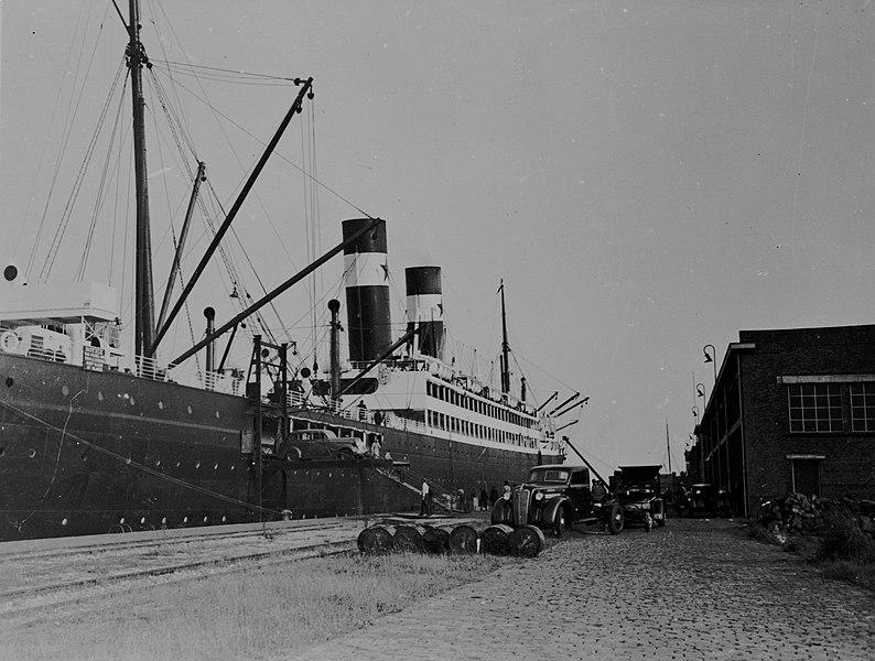 Havenkade Rotterdam voor 1940. Bron: https://beeldbank.rws.nl, Rijkswaterstaat