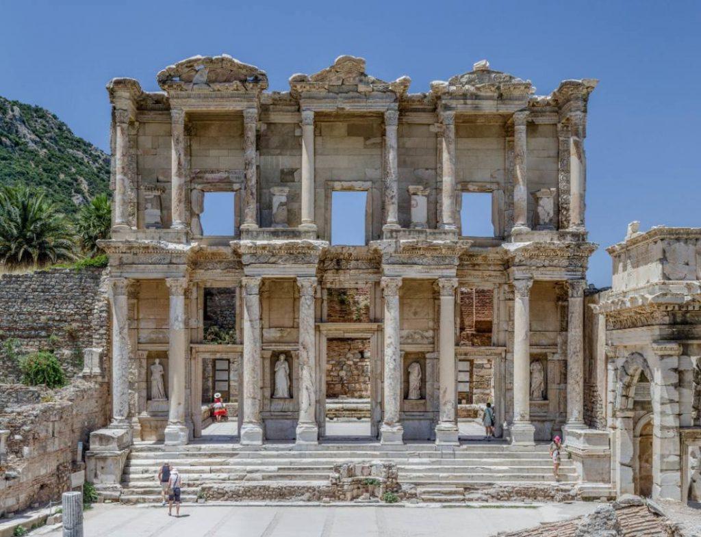 De bibliotheek van Celsus in Efeze