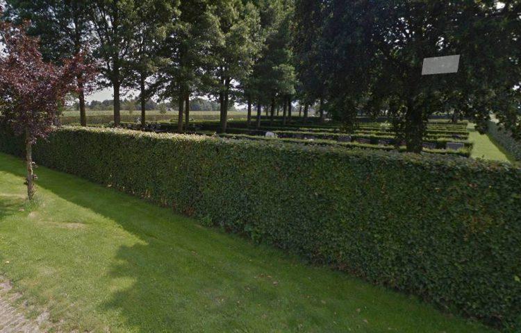 Begraafplaats aan de Weitakkersweg in Enter (Google Street View)