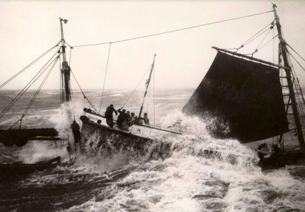 Redding na scheepsramp SCH 102 Scheveningen, 1938, KNRM