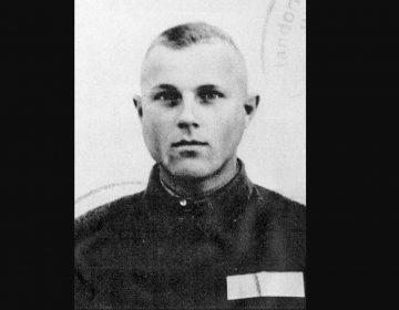 """Al langer bekende foto van Demjanjuk, uit zijn """"SS-Ausweis"""" uit 1943"""