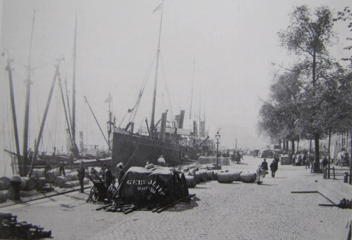 Boompjeskade in Rotterdam rond 1900