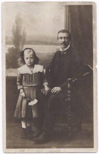 De grootvader van de auteur met diens dochter - Archief Ank Engel
