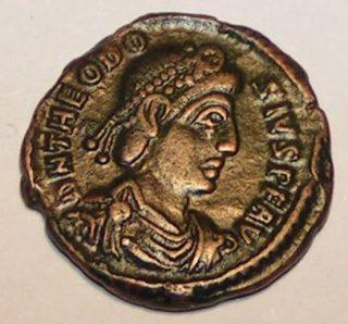 Munt met daarop de beeltenis van keizer Theodosius I