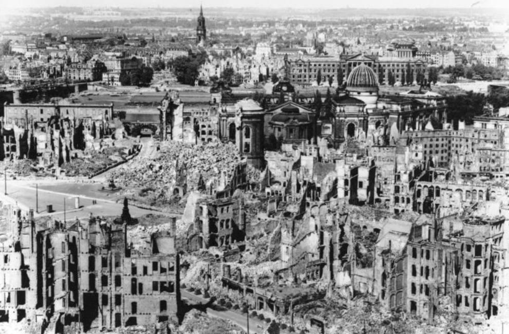 Dresden na het bombardement